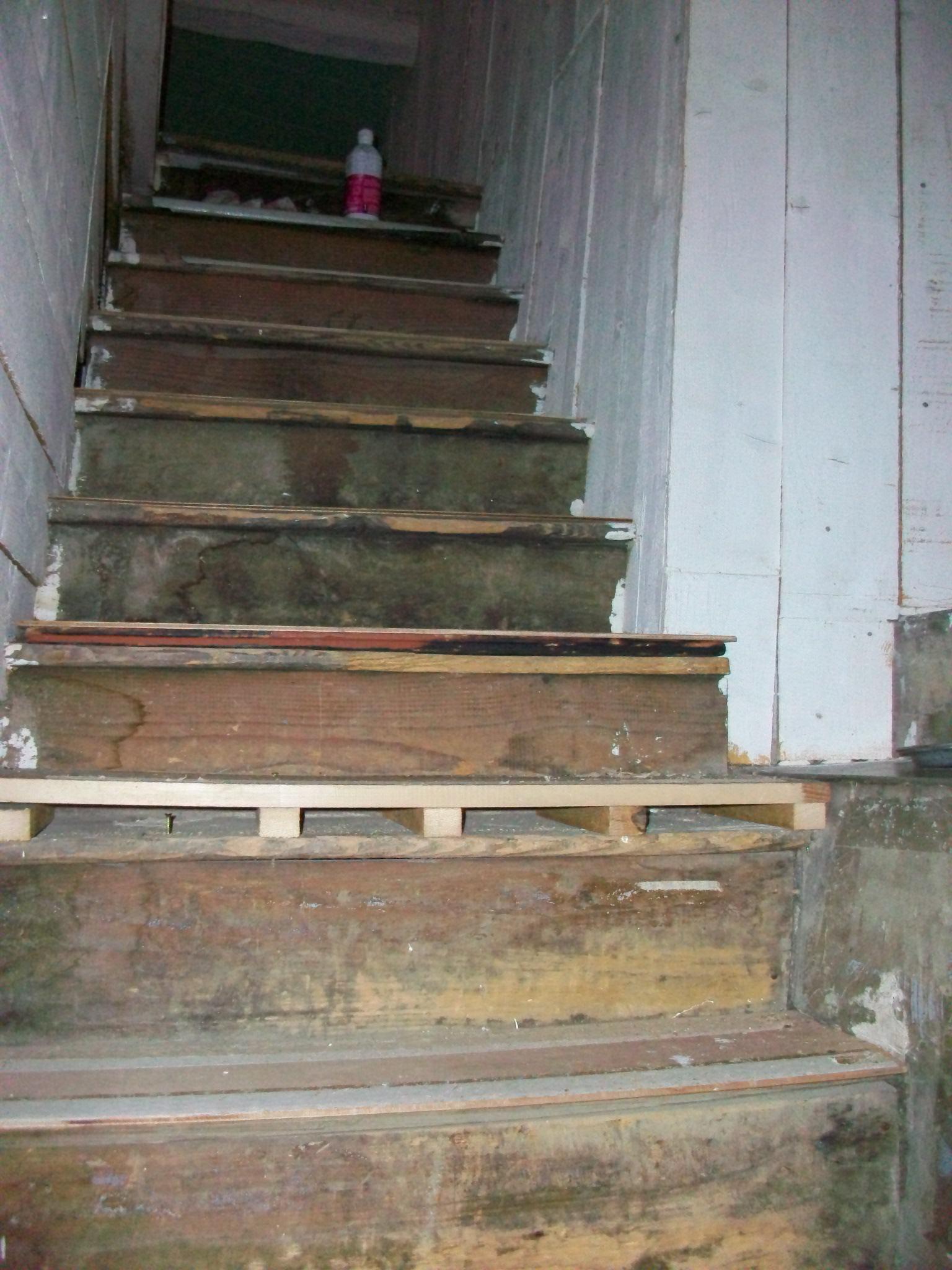 Restauration escalier ancien archive at Doljansky Evelyne # Escalier Ancien Bois